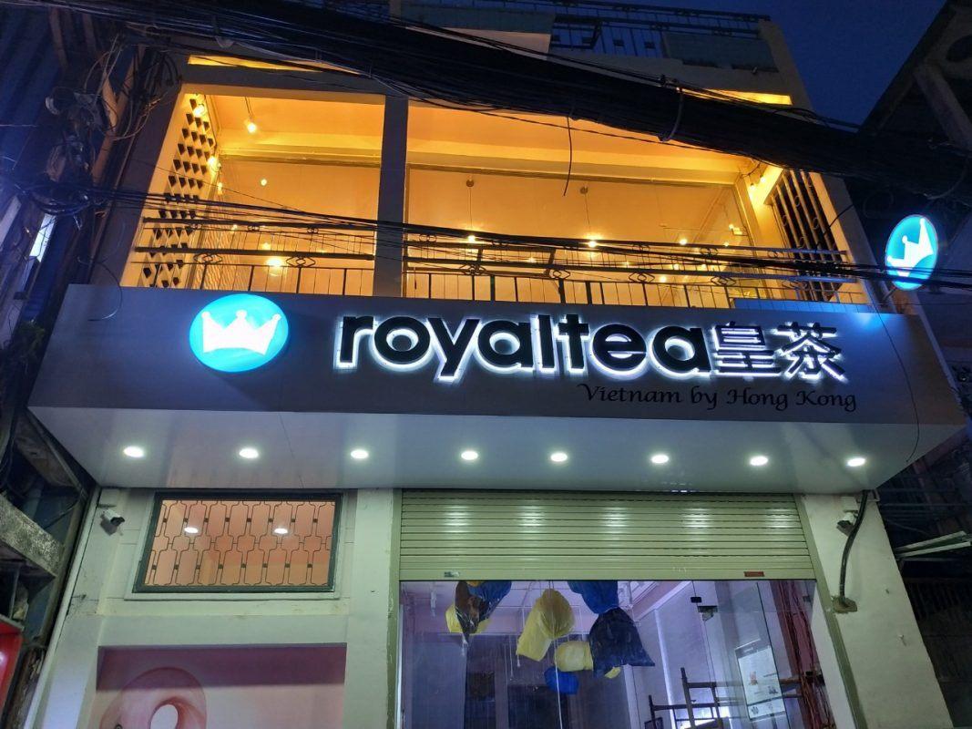 Bảng hiệu Royal tea