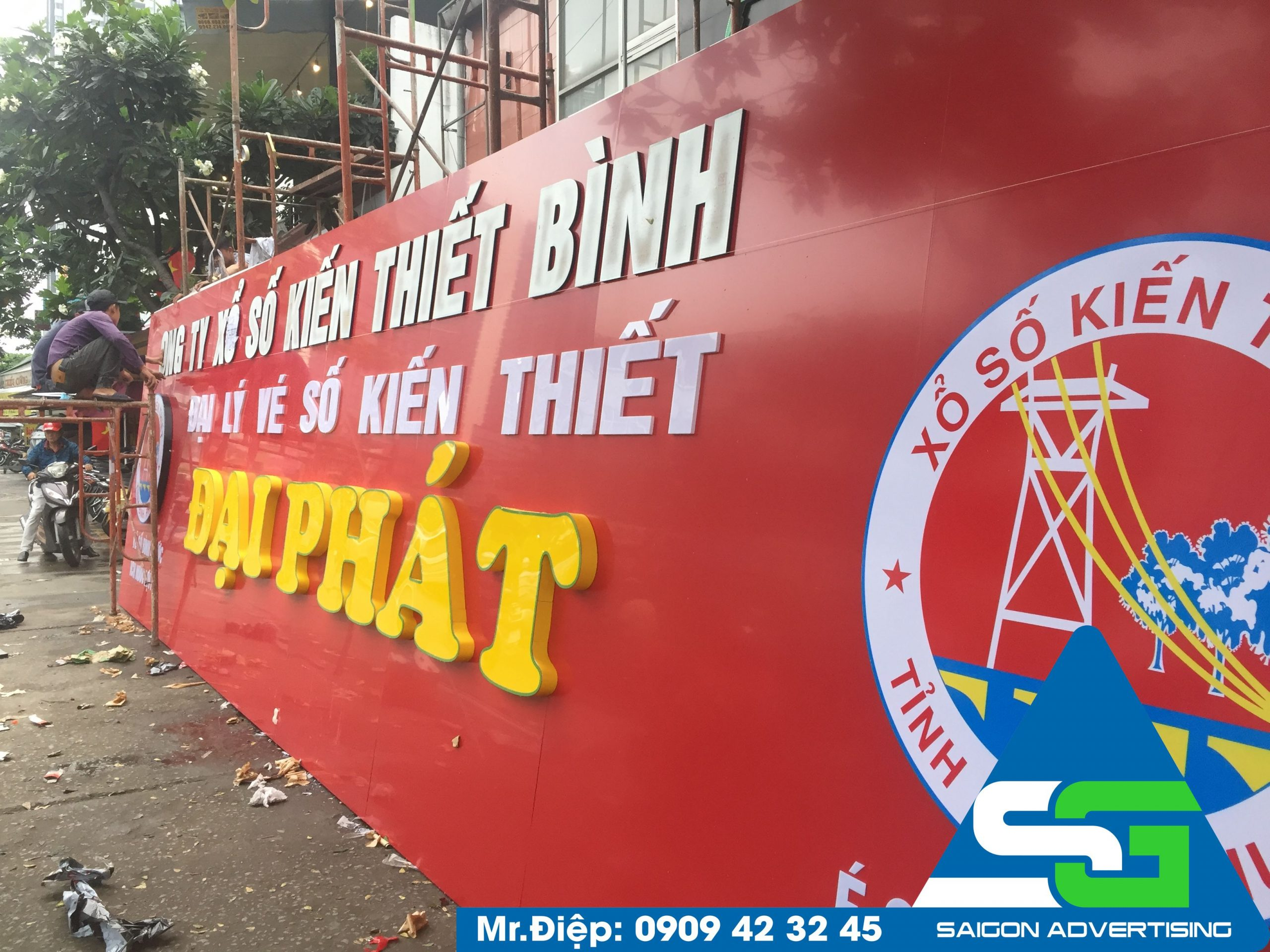 bảng hiệu công ty mica